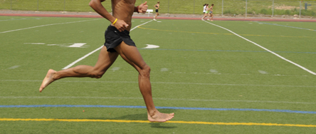 b6d7c7b898c20 Barefoot running and hip kinematics  good news for the knee  Dr. Nick ...